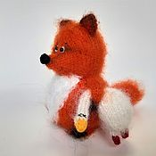 Мягкие игрушки ручной работы. Ярмарка Мастеров - ручная работа Лиса вязаная игрушка лиса с гусем лиса спицами. Handmade.