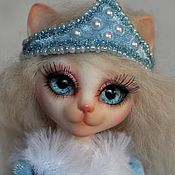 Куклы и игрушки ручной работы. Ярмарка Мастеров - ручная работа Шарнирная кошка Снегурочка. Handmade.