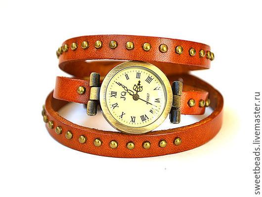 Часы ручной работы. Ярмарка Мастеров - ручная работа. Купить Часы на длинном ремешке с заклепками, рыжий. Handmade. Часы кварцевые