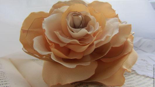"""Броши ручной работы. Ярмарка Мастеров - ручная работа. Купить Брошь """"Оленька"""". Роза из ткани.. Handmade. Желтый, ванильный"""