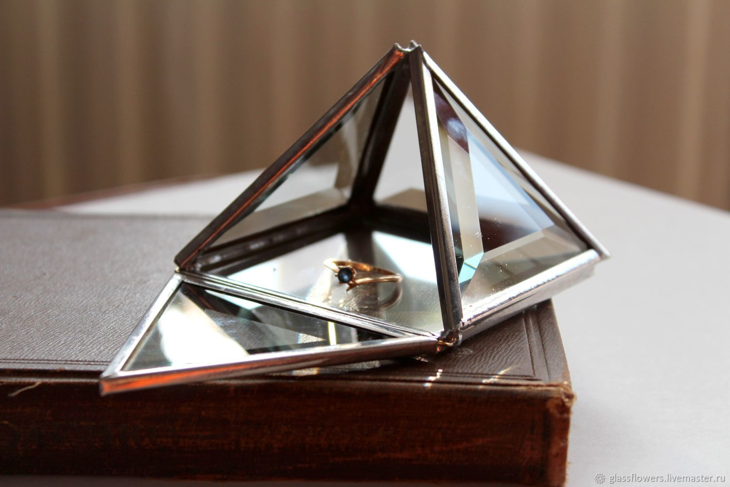 Silver box. Box Pyramid. Box of glass, Caskets for rings, St. Petersburg,  Фото №1