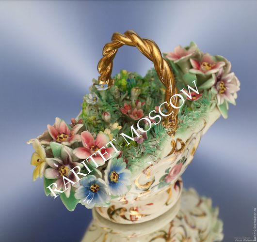 Винтажные предметы интерьера. Ярмарка Мастеров - ручная работа. Купить Ваза с цветами цветы фарфор Каподимонте Италия 2. Handmade.