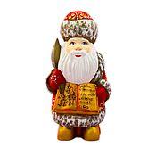 Народные сувениры ручной работы. Ярмарка Мастеров - ручная работа Народные сувениры: Деревянные резные игрушки - Дед Мороз, Снеговик. Handmade.