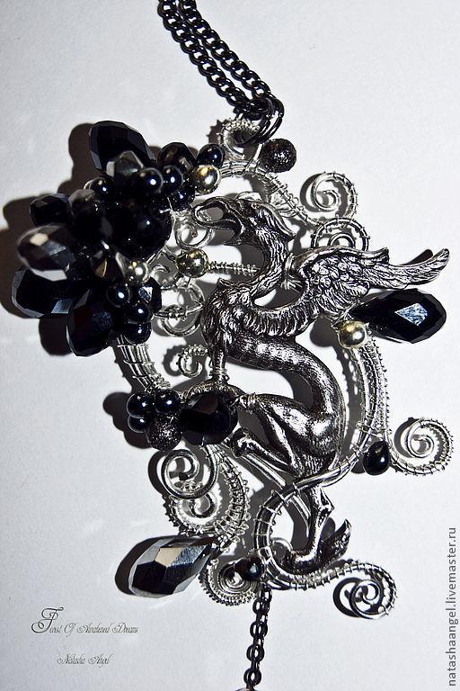 """Кулоны, подвески ручной работы. Ярмарка Мастеров - ручная работа. Купить Кулон серебро """"Тайна Грифона"""" (черный цвет, украшение на шею, дракон). Handmade."""