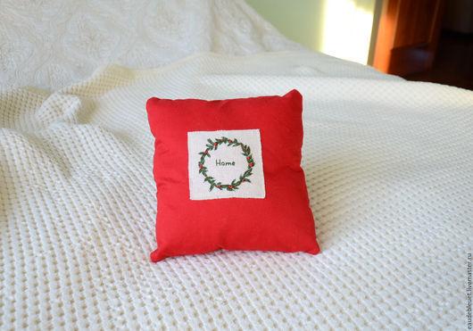 """Текстиль, ковры ручной работы. Ярмарка Мастеров - ручная работа. Купить подушка """"Home"""". Handmade. Ярко-красный, декоративная подушка"""