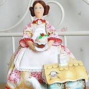 Для дома и интерьера ручной работы. Ярмарка Мастеров - ручная работа Кукла Грелка на чайник. Handmade.