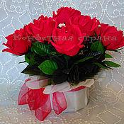 """Цветы и флористика ручной работы. Ярмарка Мастеров - ручная работа Букет и конфет: """"Кашпо с розами"""". Handmade."""