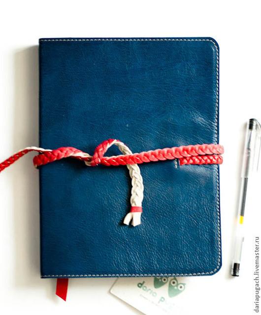 """Блокноты ручной работы. Ярмарка Мастеров - ручная работа. Купить Блокнот """"Красные косички"""" формат А5. Handmade. Тёмно-синий"""