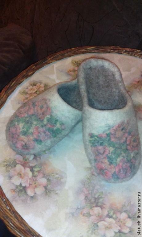 Обувь ручной работы. Ярмарка Мастеров - ручная работа. Купить Валяные тапочки. Handmade. Серый, Тапочки ручной работы