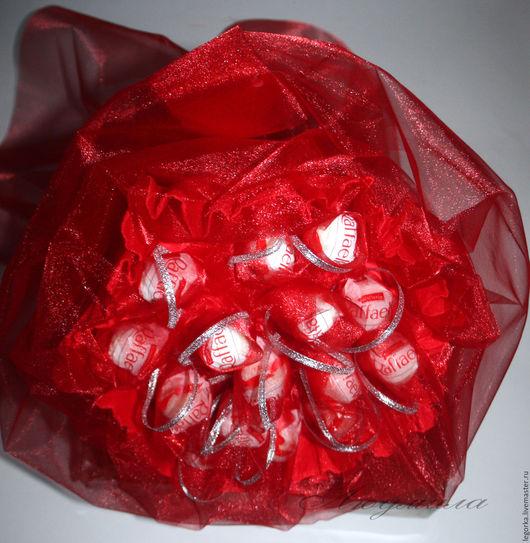 Букет из конфет `Признание` ,15 конфет `Рафаэлло`