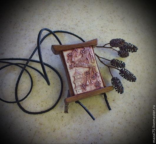 """Компьютерные ручной работы. Ярмарка Мастеров - ручная работа. Купить Резная флешка - кулон из кости и дерева """"Япония"""" 16Гб. Handmade."""