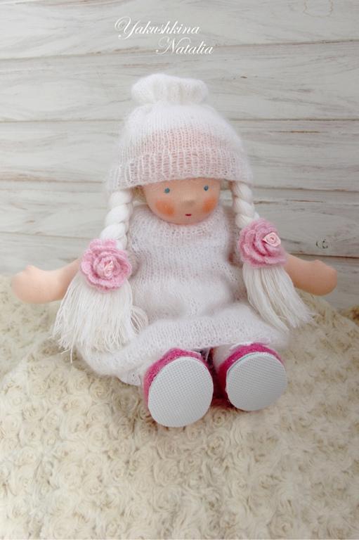 Вальдорфская игрушка ручной работы. Ярмарка Мастеров - ручная работа. Купить Алана - вальдорфская куколка. Handmade. Белый, кукла в подарок
