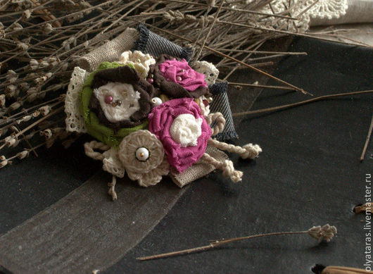 """Броши ручной работы. Ярмарка Мастеров - ручная работа. Купить Брошь """"Чайная роза"""".. Handmade. Брошь, текстильное украшение, джинс"""