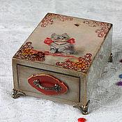 """Для дома и интерьера ручной работы. Ярмарка Мастеров - ручная работа Шкатулка """"Котенок  и пчела"""". Handmade."""