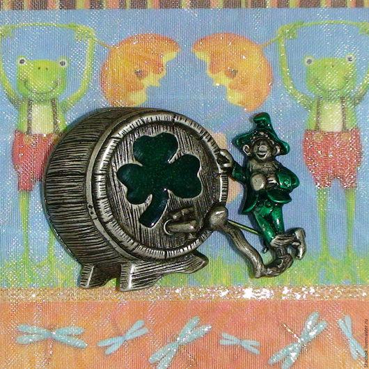 """Винтажные украшения. Ярмарка Мастеров - ручная работа. Купить Брошь """"Ирландец у бочонка с пивом"""" под олово/эмаль (Danecraft США). Handmade."""