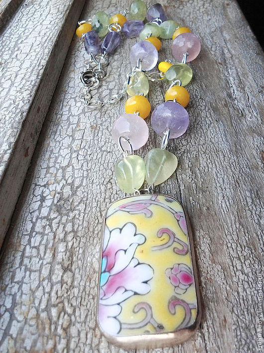"""Колье, бусы ручной работы. Ярмарка Мастеров - ручная работа. Купить Ожерелье с подвеской """"Чай с лепестками пиона"""". Handmade. Ожерелье"""