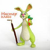 Материалы для творчества ручной работы. Ярмарка Мастеров - ручная работа МК по вязанию крючком. Кролик-огородник. Сделай сам. Handmade.