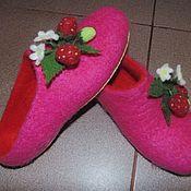 Slippers handmade. Livemaster - original item felt slippers - flip flops strawberries. Handmade.