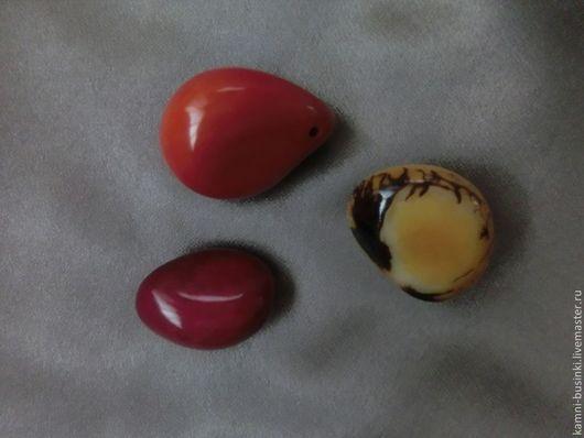 Бусина цельный орех Тагуа красный, желтый, оранжевый. Kamni-businki для украшений.
