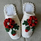 """Обувь ручной работы. Ярмарка Мастеров - ручная работа """"Алые Маки"""" на белом, тапочки 39-40 р-р (подошва валяная). Handmade."""
