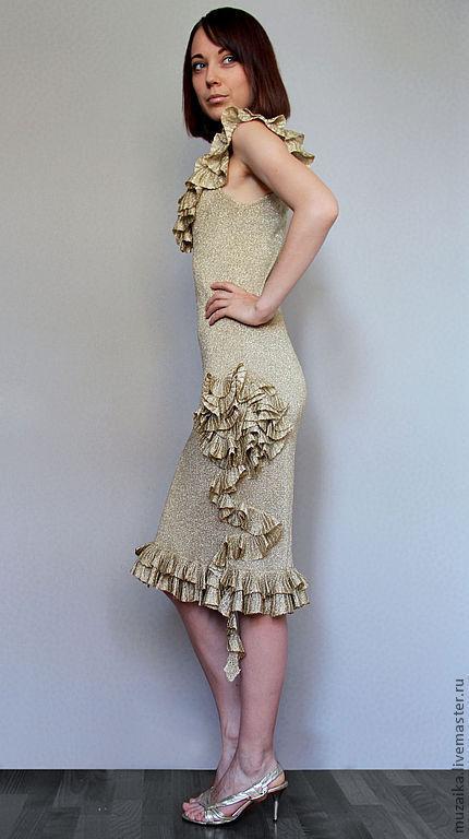 Платья ручной работы. Ярмарка Мастеров - ручная работа. Купить Вязаное золотое платье с рюшами. Handmade. Золотой, коктельное платье