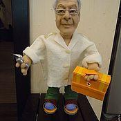 Подарки к праздникам ручной работы. Ярмарка Мастеров - ручная работа Портретная кукла на заказ по фото - Доктор реаниматолог. Handmade.