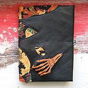 Подарки к праздникам ручной работы. Ярмарка Мастеров - ручная работа Happy Halloween - блокнот ручной работы. Handmade.
