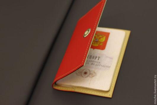 Обложки ручной работы. Ярмарка Мастеров - ручная работа. Купить Обложка для паспорта красная Mische. Handmade. Ярко-красный