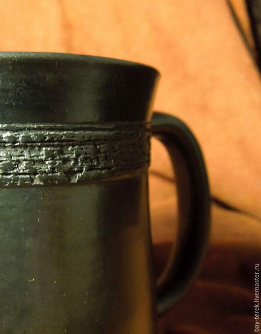 Кружки и чашки ручной работы. Ярмарка Мастеров - ручная работа. Купить Кружка керамическая с фактурным кантом. Handmade. Черный, глина