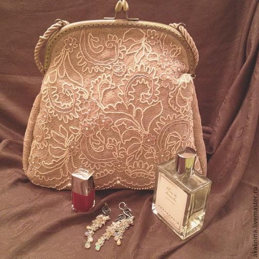 Женские сумки ручной работы. Ярмарка Мастеров - ручная работа. Купить сумка с кружевом и вышивкой. Handmade. Бежевый, бисер японский