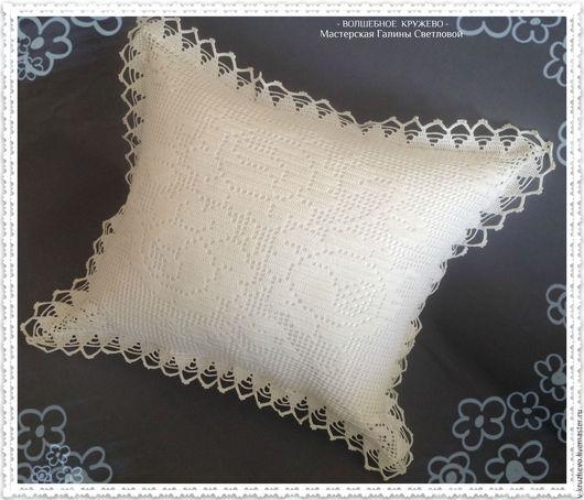 Текстиль, ковры ручной работы. Ярмарка Мастеров - ручная работа. Купить Вязаная крючком диванная подушка Белые розы из хлопка. Handmade.