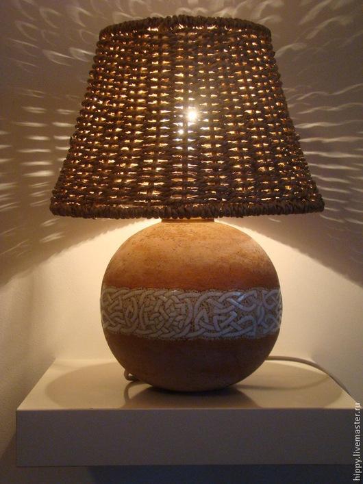 Освещение ручной работы. Ярмарка Мастеров - ручная работа. Купить Лампа с плетёным абажуром.. Handmade. Настольная лампа, освещение, глазури