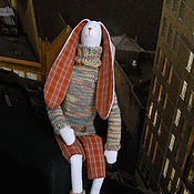Куклы и игрушки ручной работы. Ярмарка Мастеров - ручная работа Заяц по мотивам тильда. В теплом свитере. Handmade.