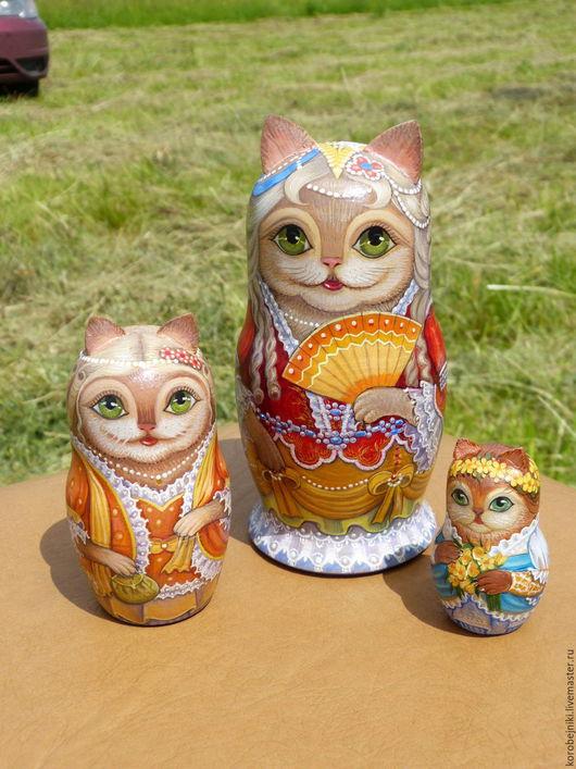 Матрешки ручной работы. Ярмарка Мастеров - ручная работа. Купить Кошка-королева с фрейлинами. Handmade. Комбинированный, кошечки, лак