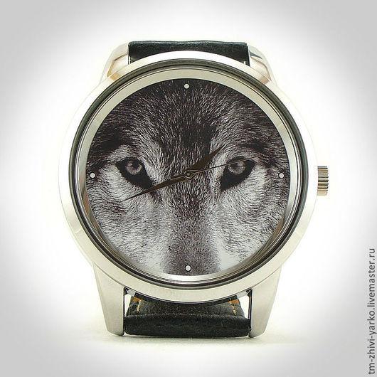 Оригинальные дизайнерские наручные часы ручной работы `Волчий взгляд`