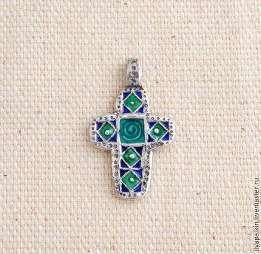 Крест из серебра крт 11а Серебро 925, горячая эмаль. Вес 6,50 гр. Автор: Вера Палкина