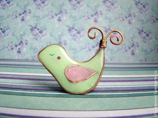 """Броши ручной работы. Ярмарка Мастеров - ручная работа. Купить Нежно-зеленая брошка """"Птичка"""". Handmade. Мятный, салатовый, птичка"""