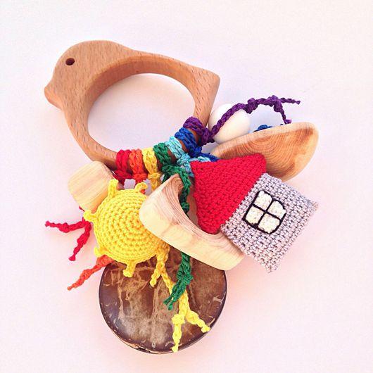 Развивающие игрушки ручной работы. Ярмарка Мастеров - ручная работа. Купить Буковый грызунок Птичка с подвесками - погремушками из разных бусин. Handmade.