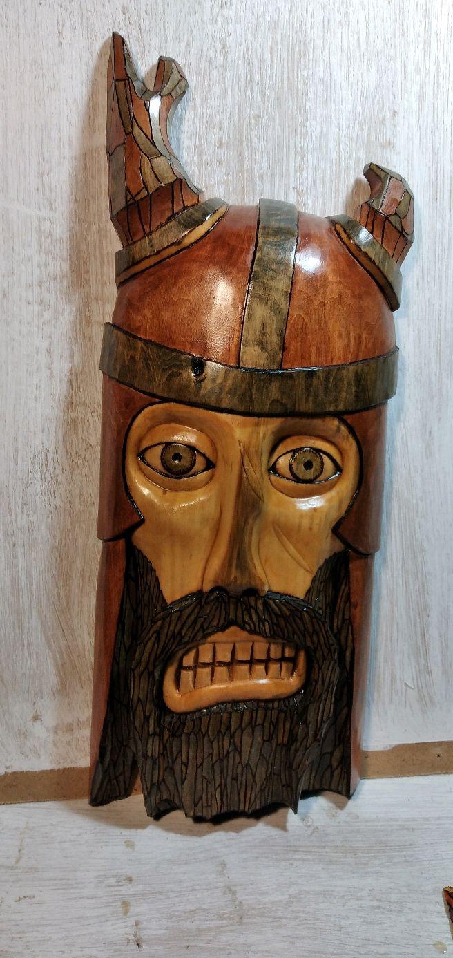 Воин в рогатом шлеме, Маски, Москва,  Фото №1