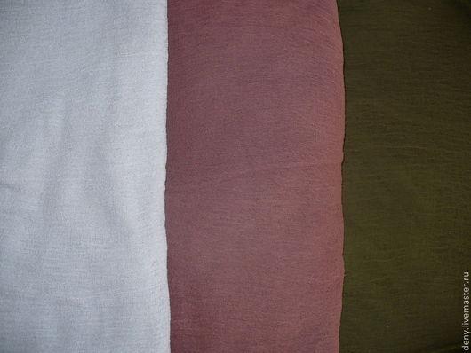 Цвета слева направо - серый, коричневый, хаки.