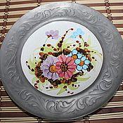 Винтаж handmade. Livemaster - original item Porcelain plate with handmade flowers,in a tin frame, Germany. Handmade.