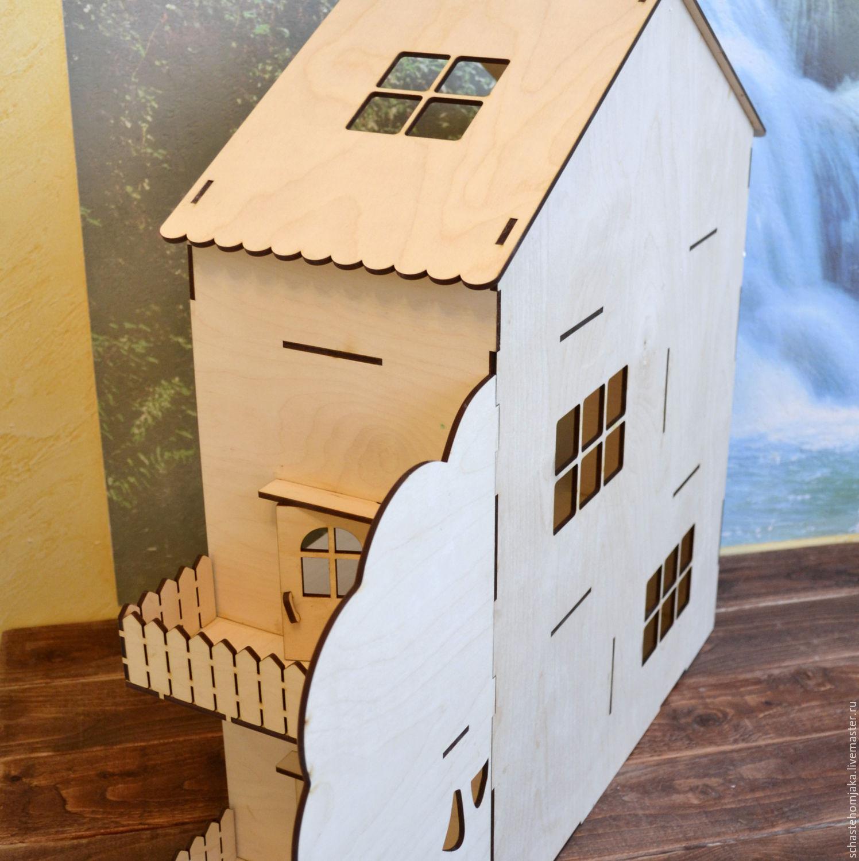 Купить кукольный домик с балконом, террасой и деревом в инте.