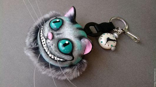 Украшения для сумок ручной работы. Ярмарка Мастеров - ручная работа. Купить Брелок на сумку Чеширский кот. Handmade. Серый