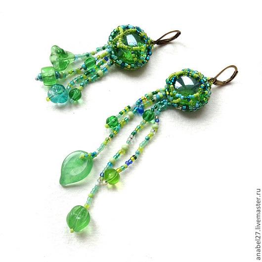 Серьги ручной работы. Ярмарка Мастеров - ручная работа. Купить Зеленые асимметричные серьги в стиле бохо - бисерный фриформ. Handmade.