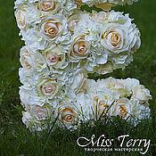 Свадебный салон ручной работы. Ярмарка Мастеров - ручная работа Белая цветочная буква D012. Handmade.
