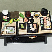 """Кукольная еда ручной работы. Ярмарка Мастеров - ручная работа Кукольная еда: Столик """"Суши"""". Handmade."""