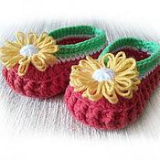 Работы для детей, ручной работы. Ярмарка Мастеров - ручная работа Пинетки Арбузные туфельки с цветком для девочки, пинетки вязаные. Handmade.