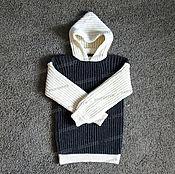 Одежда ручной работы. Ярмарка Мастеров - ручная работа Свитер из овечьей шерсти серо-белый с капюшоном (№1). Handmade.