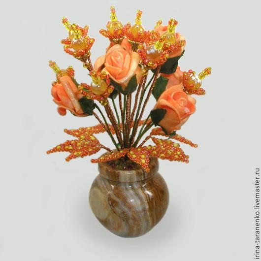 Цветы из опала `Осень золотая` в вазочке из оникса
