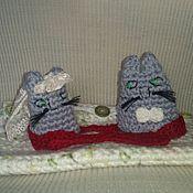 Куклы и игрушки ручной работы. Ярмарка Мастеров - ручная работа Кот и кошка вязаные с конвертом на свадьбу. Handmade.